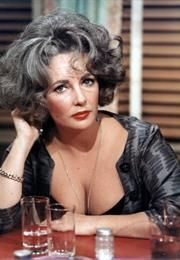 Elizabeth Taylor in a color still from the B&W film Who's Afraid of Virginia Woolf? She won her Best Actress Oscar for the role of Martha in this one Hollywood Icons, Hollywood Actor, Hollywood Glamour, Hollywood Stars, Classic Hollywood, Old Hollywood, Hollywood Actresses, Divas, Edward Wilding