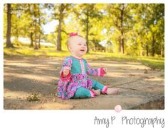 Children Photographer | One year session | Baby Girl | Outdoor Session