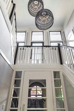 Interieur Design Apeldoorn - Interieurontwerp en advies op maat voor je woning. (Stedendriehoek) Stairs, Interior Design, Home Decor, Houses, Nest Design, Stairway, Decoration Home, Home Interior Design, Room Decor