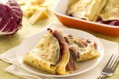 Crespelle speck radicchio e fontina Frittata, Omelette, Crepe Recipes, Pasta Recipes, Ricotta Ravioli, Veggie Noodles, Crepe Cake, Recipe Today, Quesadilla
