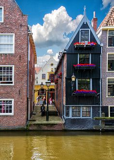 Alkmaar, The Netherlands: lived there for 3 years! Oh The Places You'll Go, Places To Travel, Places To Visit, Holland Netherlands, Amsterdam Netherlands, Travel Around The World, Around The Worlds, Historical Sites, Windmill