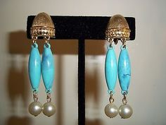 Vintage-Coro-Gold-Tone-Faux-Pearl-and-Aqua-Bead-Drop-Clip-Earrings