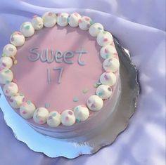 Pretty Birthday Cakes, My Birthday Cake, Pretty Cakes, Cute Cakes, Crazy Cakes, Mini Cakes, Cupcake Cakes, Simple Cake Designs, Pastel Cakes