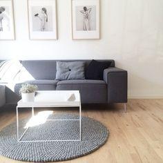 Ein sandfarbener, klassischer Kugelteppich mit ein wenig mehr Farbspiel als der Steel Grey. Dieser Teppich lädt zum träumen ein und erinnert an die warmen Sandstrände des Sommers.