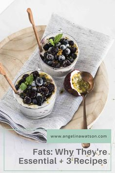 This delicious, make-ahead chia seed pudding is both quick and easy, especially when your mornings aren't! Chia seeds are packed with and antioxidants, plus their high fiber content makes this an excellent option for breakfast. Superfood, Healthy Habits, Healthy Recipes, Healthy Foods, Diet Recipes, Pin On, Weight Loss Tea, Losing Weight, Chia Pudding