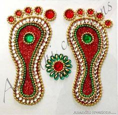 Rangoli Rangoli Designs Flower, Rangoli Border Designs, Rangoli Ideas, Flower Rangoli, Beautiful Rangoli Designs, Diwali Diy, Diwali Craft, Diwali Gifts, Diy Diwali Decorations