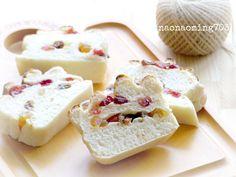 クランベリーとヨーグルトのパン