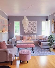 This neutral living room is asymmetrical because the pictures are so .club - interior design ideas - This neutral living room is asymmetrical because of the pictures - Living Room Decor Cozy, Living Room Grey, Living Room Interior, Rugs In Living Room, Home And Living, Living Room Designs, Modern Living, Small Living, Bright Living Rooms