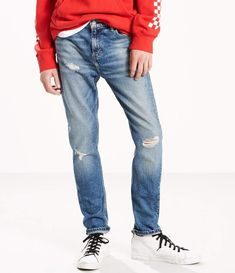 For extreme comfort and a snug fit, wear Levi's® skinny jeans for men. Browse ripped, distressed, stretch and many more styles of skinny jeans for guys. Levis Skinny, Skinny Fit Jeans, Big & Tall Jeans, Sleek Look, Mens Big And Tall, Colored Jeans, Stretch Jeans, Mens Fitness, Denim Jeans