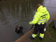 Underwater search team via @peter_faulding on Twitter Forensic Science, Forensics, Underwater, Search, Twitter, Under The Water, Searching