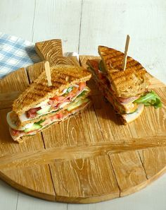 Sandwich - - -Club Sandwich - - - A simple Ham and cheese club sandwiches recipe for you to cook a great meal for family or friends. Buy the ingredients for our. Lunch Snacks, Recetas Salvadorenas, I Love Food, Good Food, Delicious Sandwiches, Lunch Sandwiches, Paninis, Happy Foods, High Tea