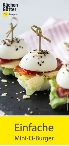 Ei-Burger These mini burgers look nice and contain a good dose of protein. For example, they are perfect for your next brunch buffet. Low Carb Chicken Recipes, Burger Recipes, Low Carb Recipes, Snacks Für Party, Easy Snacks, Healthy Snacks, Protein Snacks, Brunch Buffet, Food Buffet