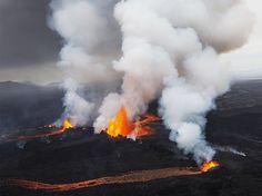 volcano-aerial-iceland_84064_990x742