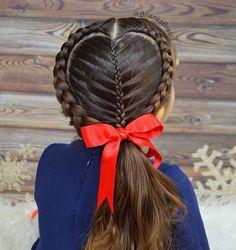 Easy Boho Hairstyle For Long Hair - 20 Trendy Half Braided Hairstyles - The Trending Hairstyle Half Braided Hairstyles, Fancy Hairstyles, Bob Hairstyles, Summer Hairstyles, Cute Little Girl Hairstyles, Flower Girl Hairstyles, Look Girl, Sisterlocks, Cornrows