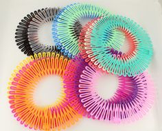 nostalgia Throwback Hair Accessories Hair Things That Make You Nostalgic 90s Theme Party Outfit, Party Outfits, Club Outfits, 2000s Party, 90s Accessories, Childhood Memories 90s, Party Kleidung, 90s Girl, 90s Hairstyles