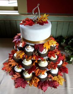 Fall cake and cupcake design ideas for parties, wedding, showers, etc. – The Cul… – Wedding Cakes With Cupcakes Fall Wedding Cupcakes, Fall Wedding Decorations, Fall Wedding Colors, Autumn Wedding, Rustic Wedding, Wedding Ideas, October Wedding, Cupcakes Fall, Bridal Cupcakes