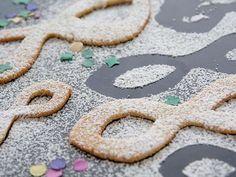 Mascherine dolci di Carnevale  http://www.alice.tv/ricette-carnevale/mascherine-dolci-carnevale