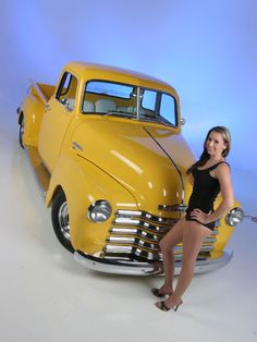 A fully customized 1949 Chevy Pickup with a Vintage Air A/C System and a Ford 9 Inch, only at Custom Classic Trucks Magazine. Classic Pickup Trucks, Chevy Pickup Trucks, Gm Trucks, Chevrolet Trucks, Diesel Trucks, 1949 Chevy Truck, Old Chevy Pickups, Chevy Stepside, Pickup Camper