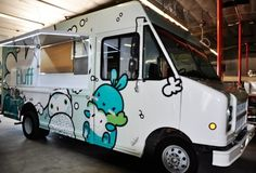 a cotton candy food truck....oh, yum.