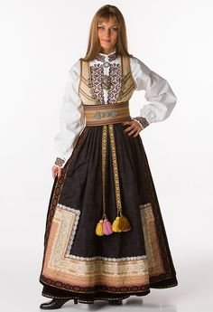 Beltestakk Norwegian Clothing, Concept Clothing, Folk Costume, Traditional Dresses, Scandinavian, Folklore, Culture, Fashion Outfits, Inspiration