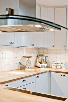Post: La mezcla del estilo nórdico costero y el estilo Hamptons -->  casas nórdicas junto al mar, decoración con textiles y texturas, decoración en blanco, decoración interiores, estilo hamptons, estilo limpio y ordenado, estilo nórdico costero, estilo nórdico escandinavo, madera blanca                                                                                                                                                      Más