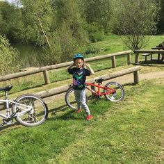📸 ・・・ Family ride to feed the ducks and play on the park. Bambi, Ducks, Bicycle, Play, Vehicles, Bike, Bicycle Kick, Bicycles, Car