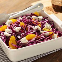 Op Verse Oogst heb ik dit heerlijke recept gevonden Rode kool salade met sinaasappel. Lijkt het je ook lekker, bekijk het recept op Verse Oogst!
