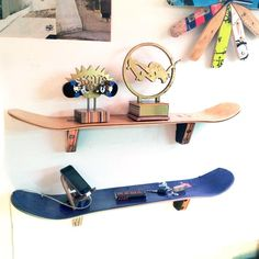 Skateboard Wall Shelf - Set of Two - SkateShelf made from recycled skateboards by Deckstool. Skateboard Bedroom, Skateboard Decor, Skateboard Shelves, Skateboard Furniture, Skateboard Design, Penny Skateboard, Tidy Room, Aesthetic Room Decor, Skateboards