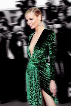 emerald green dress, fashion, style, lady, pics