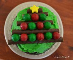 Chocolate Christmas Tree Cupcakes #Recipe #holidaydesserts