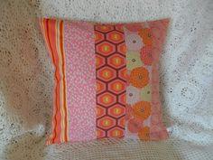 Housse de coussin patchwork, rose et orange : Textiles et tapis par michka-feemainpassionnement