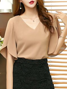 Spring Summer Chiffon V-Neck Plain Split Sleeve Short Sleeve Blouse, You can collect images you discovered organize them, add your own ideas to your collections and share with other people. Chiffon Shirt, Ruffle Blouse, Chiffon Tops, Dress Lace, Mode Outfits, Fashion Outfits, Fashion Heels, Fashion Women, Fashion Socks