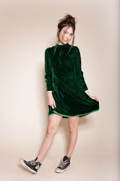 Vintage emerald green crushed velvet dress