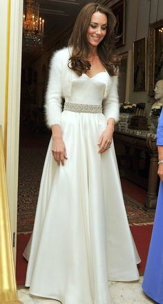 Kate Middleton white coat for weddings in winter----you might need a little coat