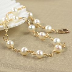 White Pearl Simple Gold Bracelet