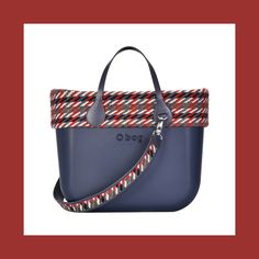 Autumn is in the air! Red and blue navy and light and dark in a contrasting mix on warm colored fabrics in a jacquard pattern. The must have? Handles to be carried together with an interchangeable maxi shoulder strap. #mixandmatch #Obag #fw17