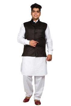 coton noir jute gilet Prix:- 26,87 € Andaaz nouveaux hommes ethniques noir en coton et du jute gilet. Il est préfet de porter sur chaque Kurta pyjama .  http://www.andaazfashion.fr/black-cotton-jute-waistcoat-5095.html