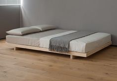 Un Varnish Wooden Bed Frame Using Grey And White Bedding Placed On Wooden Floor With Bed Frames Without Headboards Plus Black Bed Frames Without Headboard. Magnificent Bed Frames Without Headboard For Simple Bedroom Interior Bed Without Headboard, Bed Frame And Headboard, Headboards For Beds, Bed Without Frame, Queen Headboard, Low Platform Bed Frame, Wood Platform Bed, Platform Bed Designs, Low Loft Beds