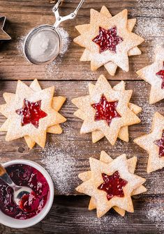 Linzer Kekse Christmas Cookies, Christmas Tree, Advent, Deserts, Holiday Decor, Pies, German Cookies, Smooth, Christmas
