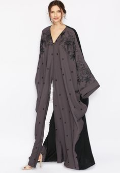 stylish Hayas closet abaya for modest look (9)