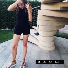 Pronta per uscire?  prova questo #outfit con zeppa argento Kammi e fatti notare;)  #KammiStyle #scarpe #fashion #saldi #zeppa #serata