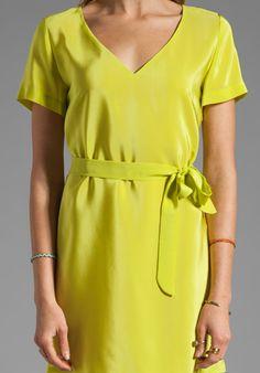 AMANDA UPRICHARD Silk V Neck T Shirt Dress in Lime SALE $103
