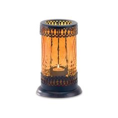 Gifts Decor Standing Amber Glass Moroccan Lantern Candle Holder (45 BRL) ❤ liked on Polyvore featuring home, home decor, candles & candleholders, candles, moroccan lanterns, moroccan style lanterns, moroccan candle holders, moroccan home decor and standing candle holders