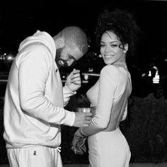 Drake Congratulates Rihanna On VMA Honor With A Huge Gift - http://oceanup.com/2016/08/27/drake-congratulates-rihanna-on-vma-honor-with-a-huge-gift/