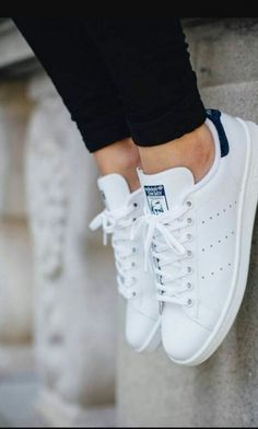Sneakers femme stan smith adidas shoes ideas for 2019 Stan Smith Blue, Stan Smith Style, Sneaker Outfits, Adidas Shoes Women, Adidas Sneakers, Shoes Sneakers, White Sneakers, White Shoes, Sneakers Women