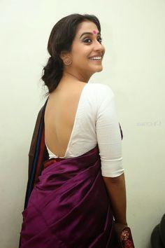 Actress Backless Blouse & Saree Hot Navel Show Beautiful Girl Indian, Most Beautiful Indian Actress, Beautiful Saree, Beautiful Actresses, Saree Blouse Neck Designs, Blouse Designs, Kaftan, Sari Bluse, Saree Backless