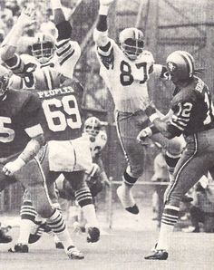 Early New Orleans Saints action from 1971. Richard Neal forces a hurried throw from San Fransisco's John Brodie.