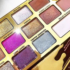So here are a few of the shades in the @toofaced Chocolate Gold palette I bought from @meccamaxima. The pigmentation of most of the shades…