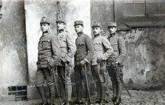 Kuk Unteroffizieren Gruppe, Kokarde, Säbel, Portepee - 1.WK Foto