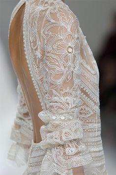 Descubre las nuevas tendencias de moda nupcial que arrasarán en las novias de…